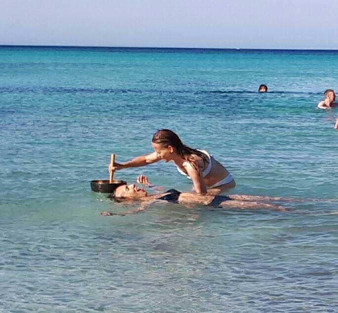 Yoga Übung im Wasser